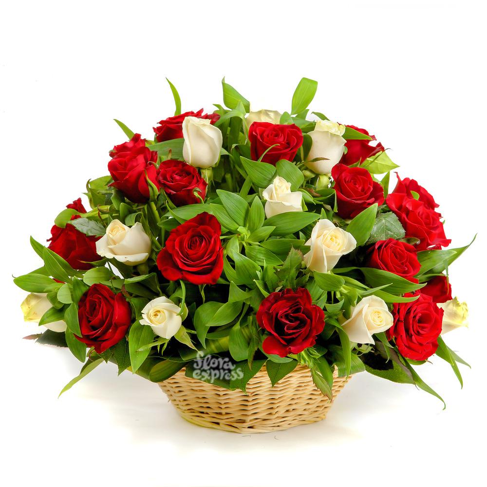 Корзина «Моим дорогим» от Floraexpress
