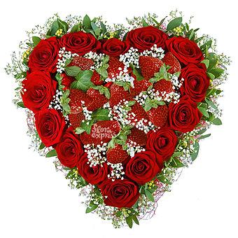 Букет Сердце «Клубника со сливками»