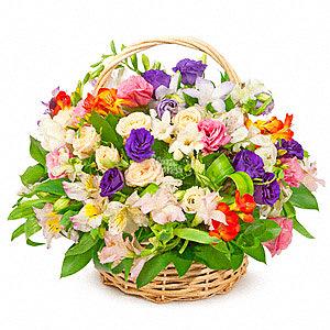 Просто корзинка цветов