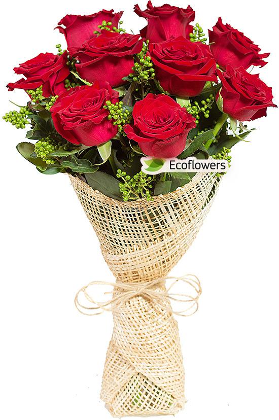Фото букета: Розы и скимия