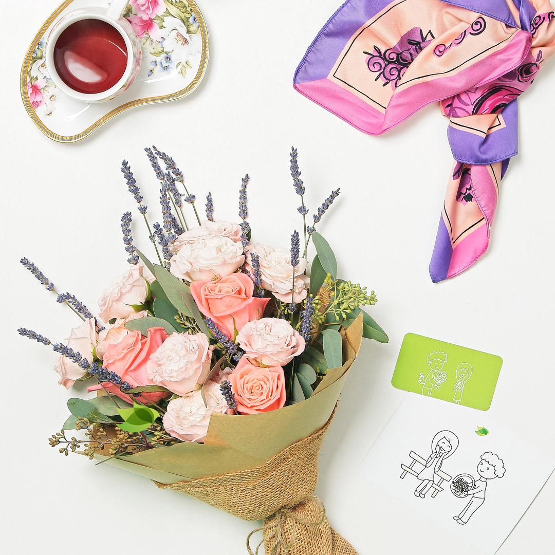 Фото букета: Английские розы с лавандой