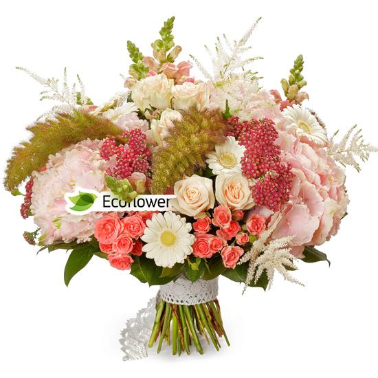 Фото букета: Гортензия и розы